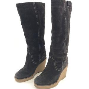 Emu Waratah Sheepskin Lined Brown Suede Wedge Boot